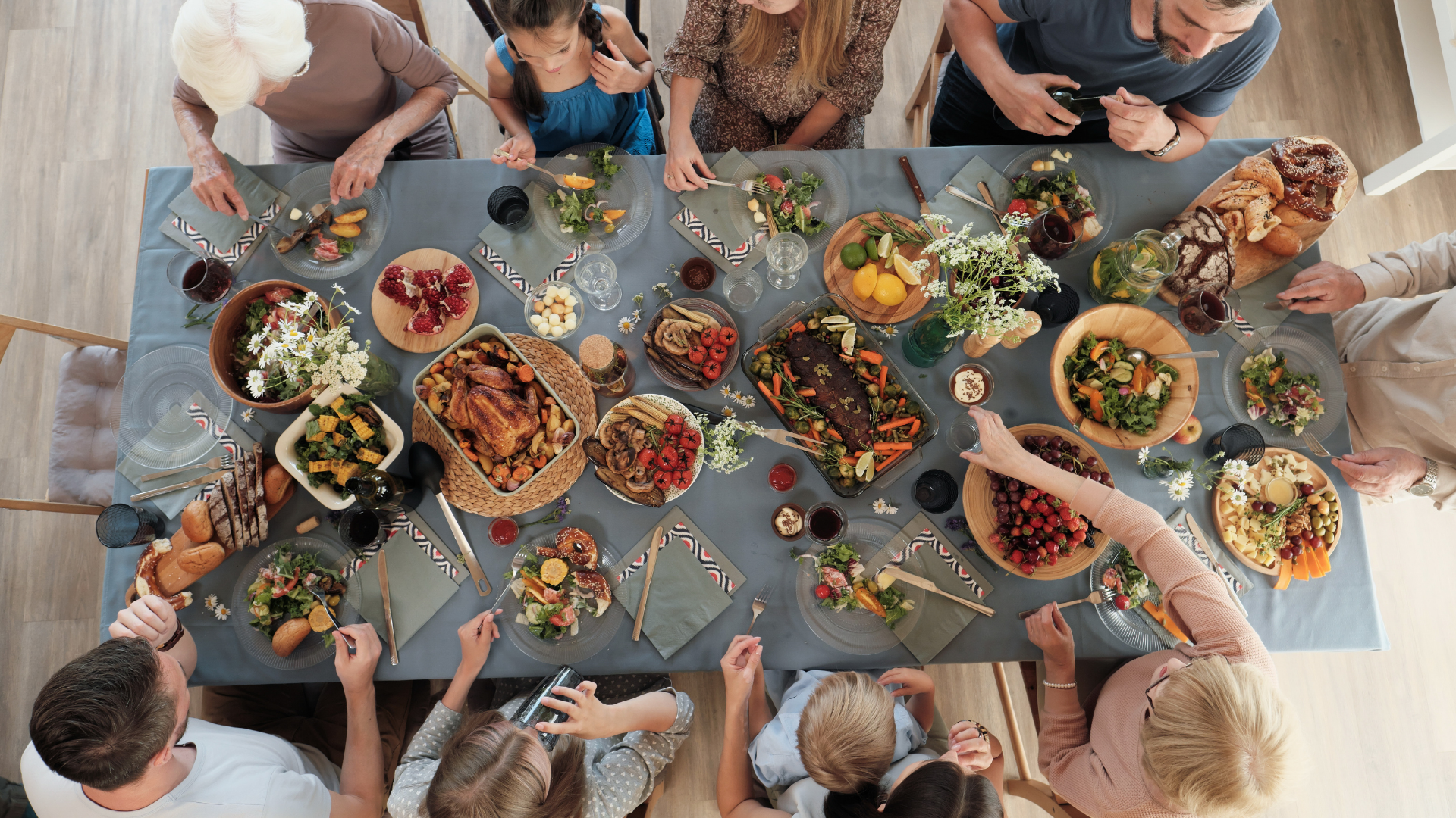 Foto notícia - A mesa de refeições